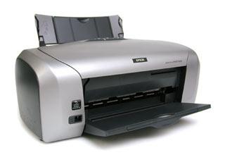 Цветной струйный принтер EPSON Stylus Photo R220 с возможностью печати фотографий
